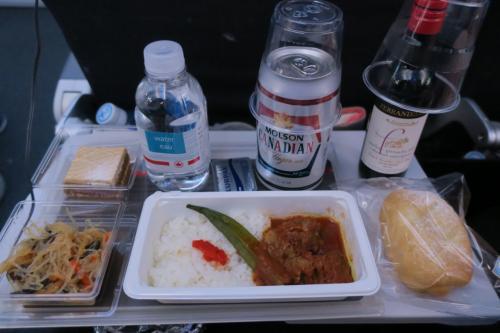 初のエアカナダ利用。機内食がちょっと残念だった。