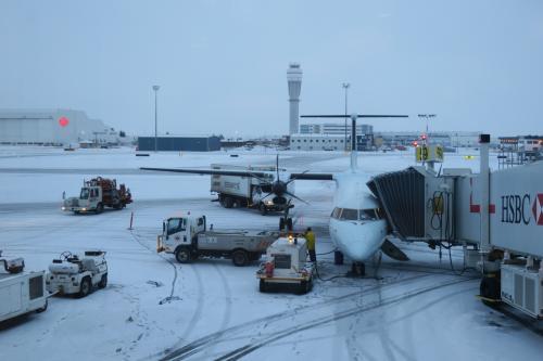 カナダ国内乗り換え。一気に寒そうな景色に。