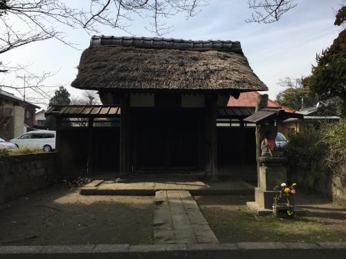 途中にあった、称名寺塔頭光明院表門<br />説明に色々書いてありましたが、難しいので省略。<br />お伝えしたいのは、これが横浜市内で造営年代がわかる建築物としては最古のものだという事。