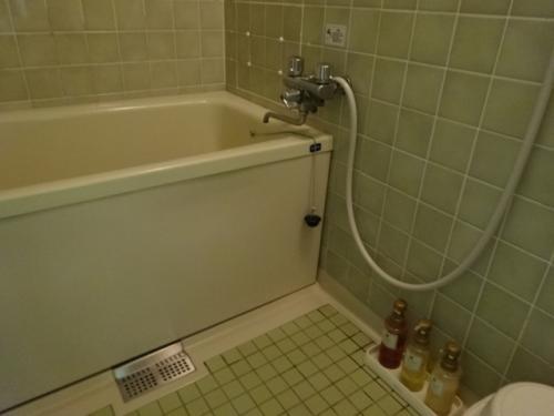 客室内のバスルーム