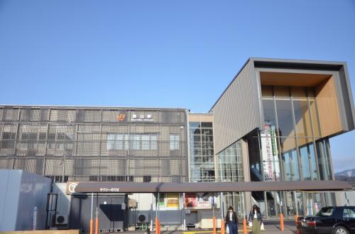 早朝の高山駅<br />*日頃の行いが良いのか晴天でした!