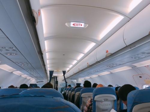 今回の旅はフィリピン航空乗継だったのでHISのお得に行けるツアーでした。<br />機内では座席にはモニターはなく退屈でした(>_<)<br /><br />