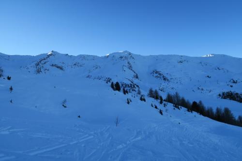 スキー場中央部の山の様子