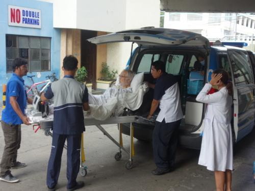 MRIを撮りに<br />Iloilo Doctor's Hospital へ