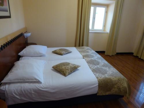 部屋はこんな感じ。3連泊します。