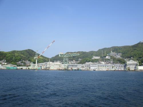 ジャイアント・カンチレバークレーン(非公開)も見えます。<br />1909年(明治42年)に竣工した同型としては日本で初めて建設された電動クレーン。<br />現在も稼働中。