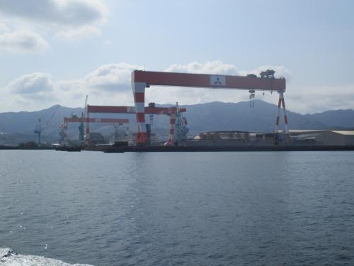 長崎造船所香焼工場<br />国内最大となる吊り能力1,200トンのゴライアスクレーン
