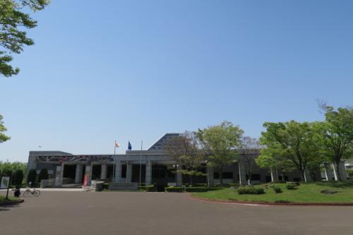 場所は中央博物館へ! 閑散としています。
