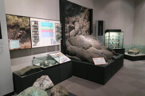 地質学の展示があったり
