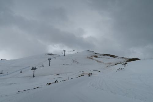 2,269m地点が見えます。雪があればまだ滑りやすかったのですけどねー!