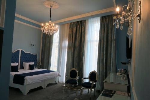 青の部屋です。 王宮のような部屋で良かったですね!
