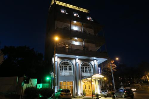リバーサイドホテルです。