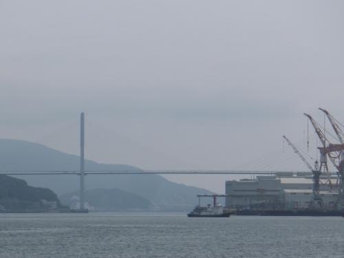 左に旋回すると、ながさき女神大橋が見えてきました。