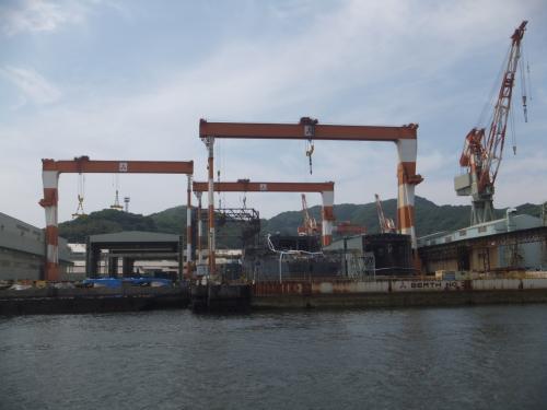 三菱長崎造船所は世界的にも大きい造船所との事です。