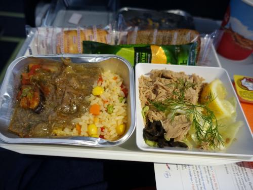 モスクワ-バクー間の機内食。
