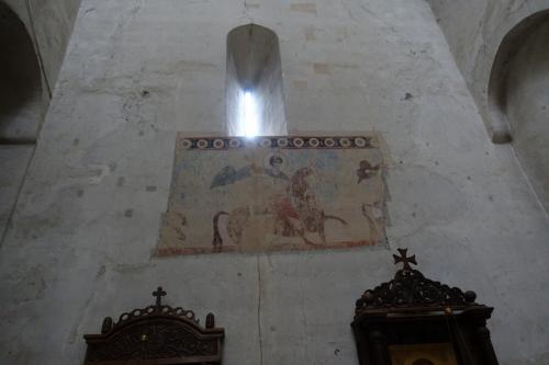 アナヌリ教会のみどころは、教会内に残るフレスコ画。<br /><br />これは、ジョージアの名前の由来にもなっている、聖ジョージの絵ですね。