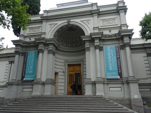 2011年に再オープンした国立美術館。