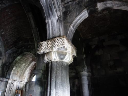 ガヴィットの柱はとても重厚。