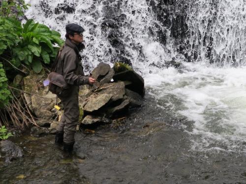 湯滝の釣り人