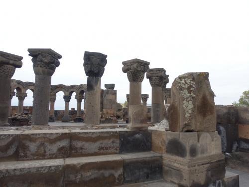 643年から 652年にかけて建てられた教会。残念ながら10世紀の大地震で崩れてしまいました。