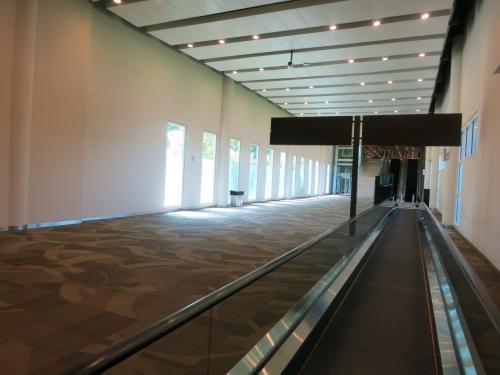 3時間ほどで、バリ島に到着。<br />新空港になっても、なんとなく鄙びたにおいがして、バリにきたことを実感させてくれます。