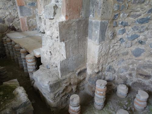 3世紀のローマ浴場の跡もありました。