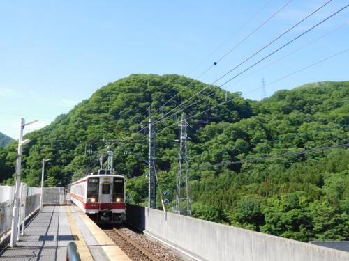 川治湯本駅から電車に乗って会津高原尾瀬口駅を目指す。
