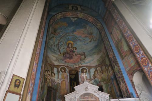 他の教会のフレスコ画(でいいの?)に比べるとちょっと淡泊! ですが、初日の一番最初に見たのでやはり神秘的でした。