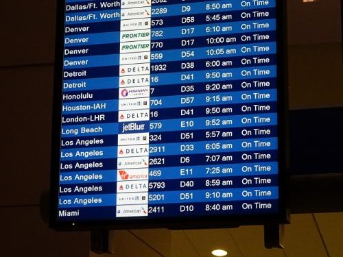 一旦ロスアンゼルスに向かいます。<br />