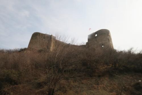 ムツヘタにやって来ました!街の北側にある廃城です。