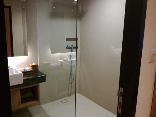 シャワールームはこんなもの