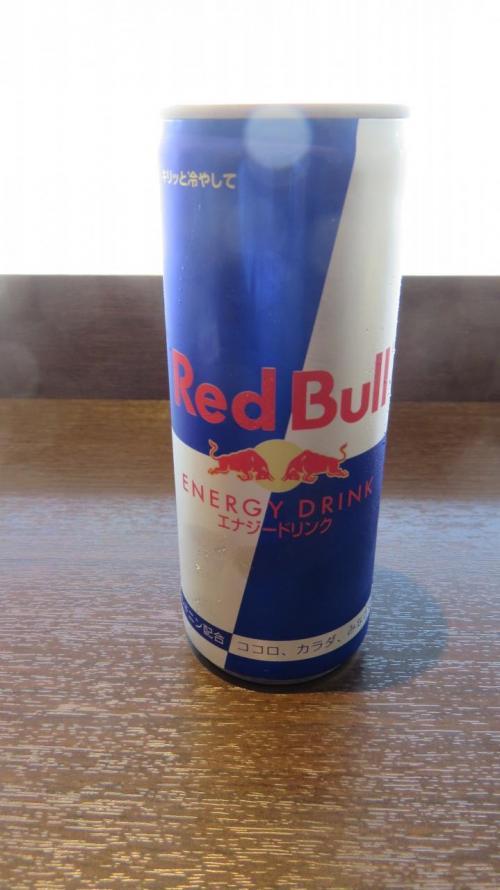 Red Bullが置いてたので試し飲み<br />まあまあかな。