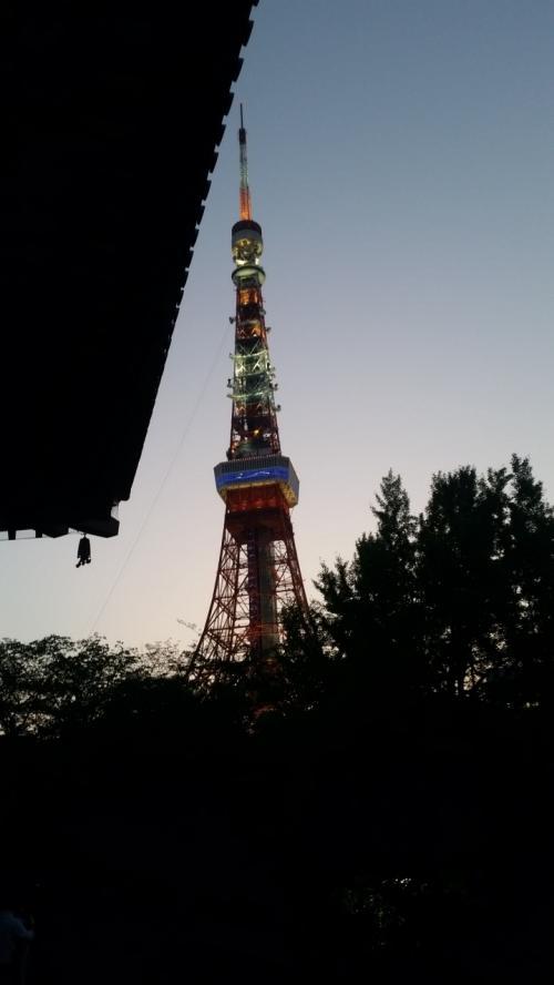 そろそろ東京タワーもライトアップ
