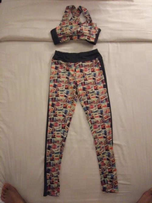 3日目の夜もバリ・コレクションに来ちゃいました。<br /><br />こちらは「69SLAM」(ロックスラム)という水着店で娘が購入したヨガウェアです。
