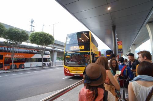 ホテルが尖沙咀なので、A21空港バスで向かいます。