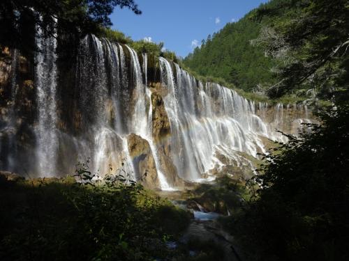 諾日朗瀑布<br />最初に行ったのは、この滝です。幅が300m以上ある大きな滝<br />(写真では分かりずらいですかね)<br />落差も25mあるそうです。