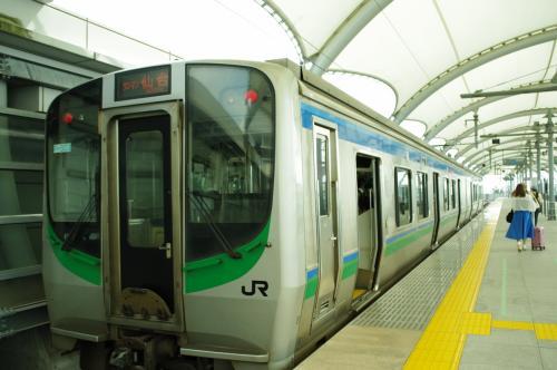 そろそろ電車乗ろう。<br />いつもガラガ・・・<br /><br />え(;´Д`)激混みなんやけど(;´Д`)<br />ぎゅうぎゅう詰めで仙台駅まで。