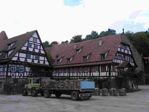 木組みの家。<br /><br />この敷地内の建物はすべて修道院に所属しています。