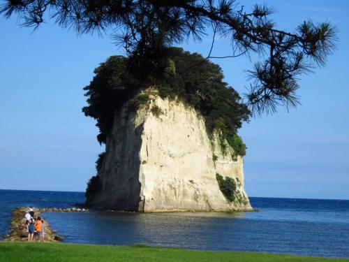 軍艦島とも言います