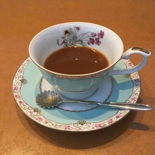 ゲストハウスでコーヒー飲んで出発。