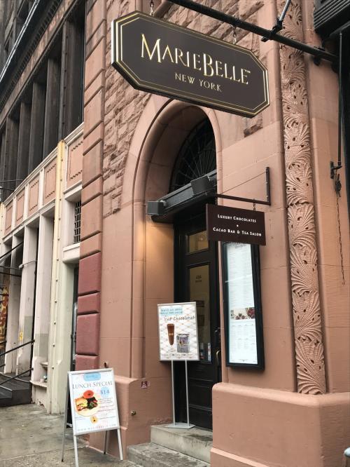 <マリベル><br />こちらも日本にお店がありますが、行ったことはないです。<br />日本のほうが敷居が高そうなんですもの・・・<br />http://www.mariebelle.jp/shop_info/<br />