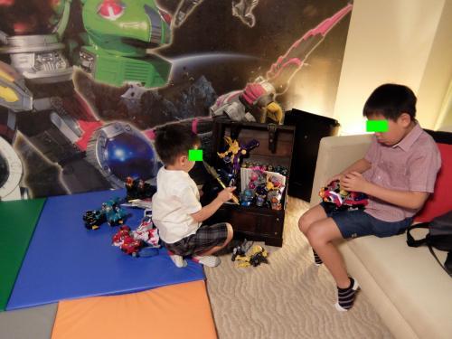 玩具の種類は増えています。<br /><br />「ケルベロス ボイジャー」や「ホウオウ ソルジャー」など、最新アイテムが多数追加されています。