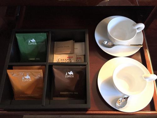 東京・六本木『ザ・リッツ・カールトン東京』のお部屋の無料のティーバッグの写真。<br /><br />「LUPICIA」(ルピシア)のティーバッグ(計3種類)。<br /><br />ダージリンティー、カモミールティー、グリーンティー。
