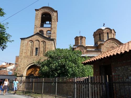 リェヴィシャの生神女教会が見えてきました。
