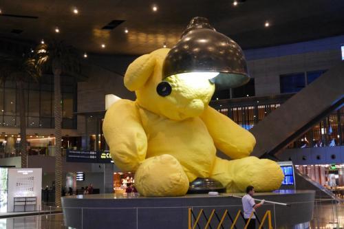 で、いつものクマに挨拶していつものラウンジへ!<br /><br />今回帰りはトルコ航空なのでクマに帰国の挨拶は出来ず(> <)