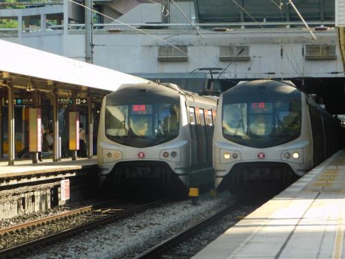 2017.08.15 沙田<br />香港の朝ラッシュ。列車の本数が容赦ない。