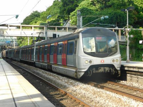 2017.08.15 沙田<br />次から次へと列車がやってくる。