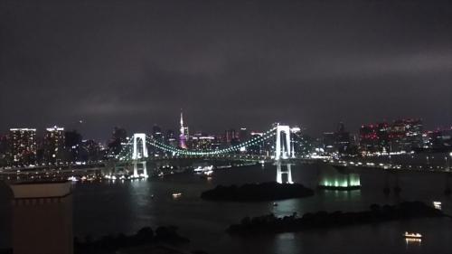 夜景は東京タワーとレインボーブリッジでとてもきれい