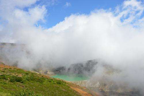 山の上なので雲の流れが早く、きれいに見えていたと思っても数分したら雲に覆われてしまったりします。