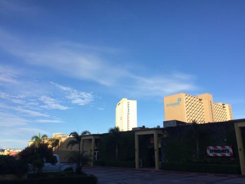 タモン地区。<br />ホテルが林立しています。